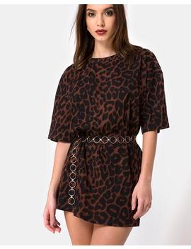c27a85e598a2 Shoptagr | Sunny Kiss Oversize Tee In Oversize Jaguar Brown By Motel ...