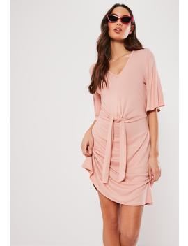 rose-rib-tie-waist-shift-dress by missguided