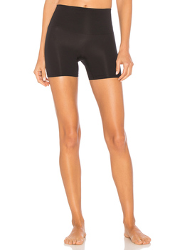 Seamlessly Shaped Ultralight Short by Yummie