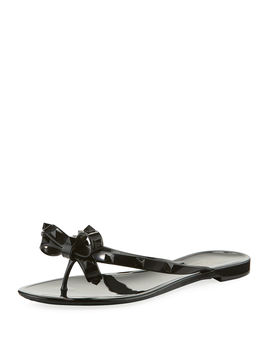 Rockstud Pvc Jelly Thong Sandal by Valentino Garavani