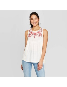 Women's Sleeveless Crewneck Tank Top With Embroidery   Knox Rose White by Knox Rose White