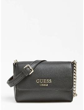 aff644720 Shoptagr | Sac Cabas Open Road Triple Compartiment Logo by Guess