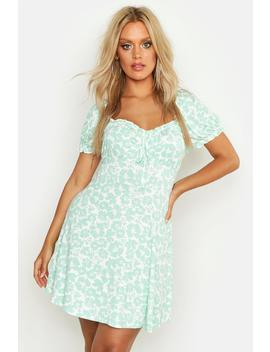Plus Ruched Detail Floral Skater Dress by Boohoo